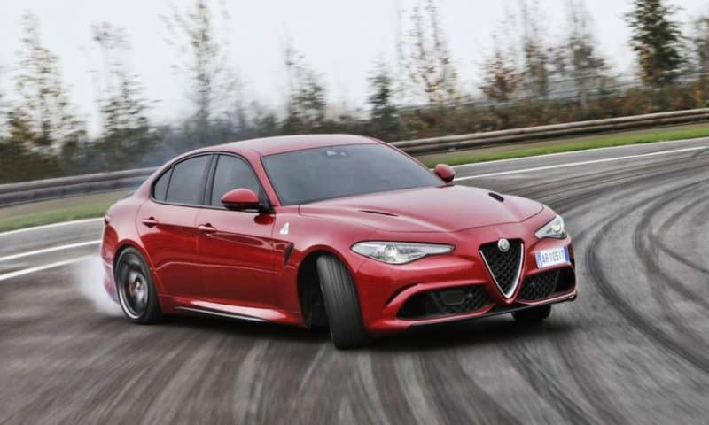 Alfa Romeo Giulia Quadrifoglio front 3/4 view