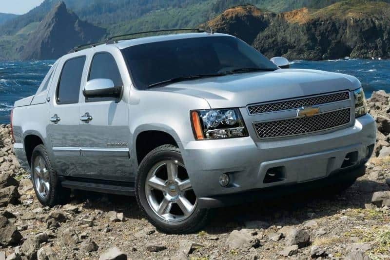 2013 Chevrolet Avalanche - right front view