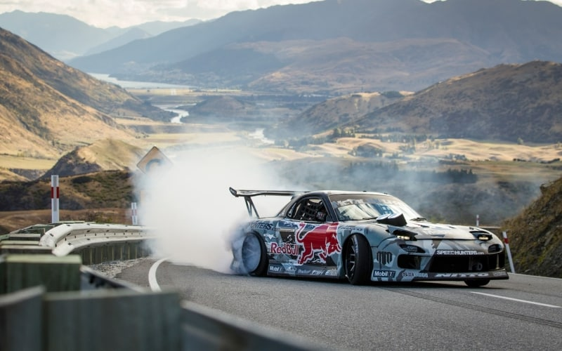 Mazda RX7 - right side view drifting