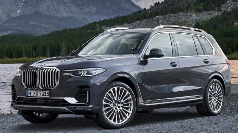 BMW X7 front 3/4 view