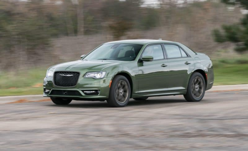 Chrysler 300 front 3/4 view