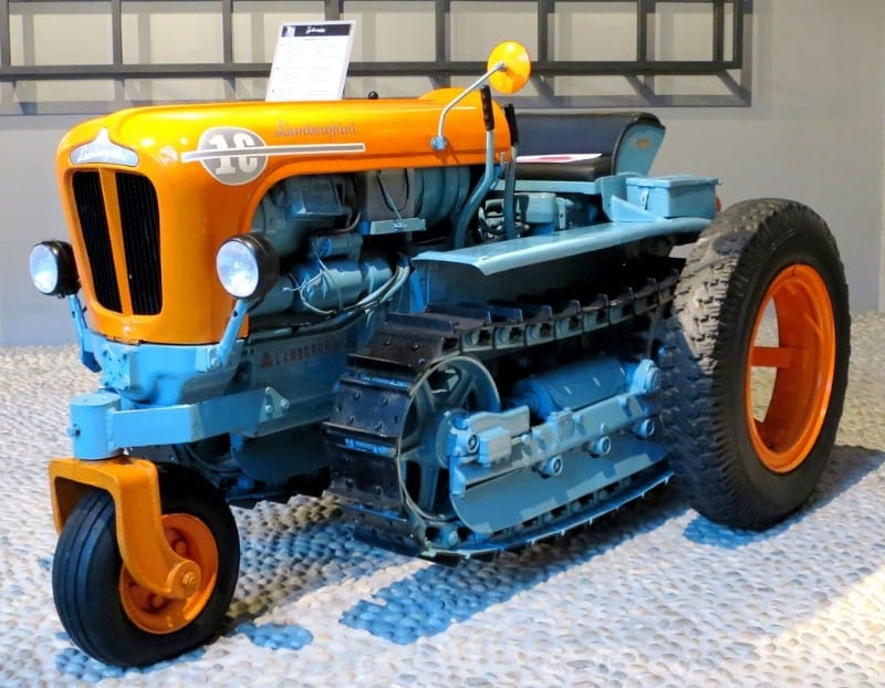 lamborghini 1c crawler tractor - left side view
